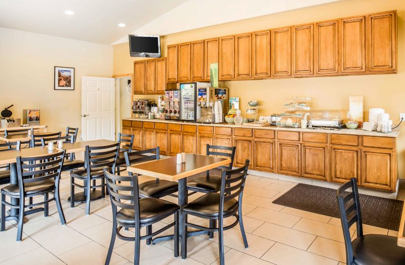 Quality Inn Suites Montclair Hotel Reviews And Room Rates