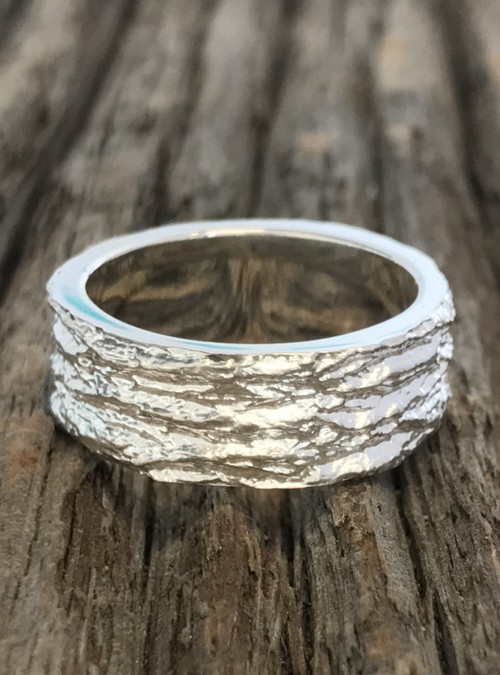 Ash Bark Ring In Yellow Gold 8mm Bark Jewelry Collection