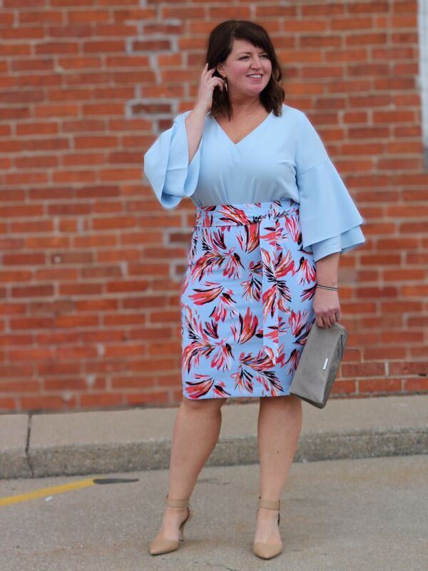 Curvy Fashion / Plus Size Fashion / Plus Sized Floral Skirt