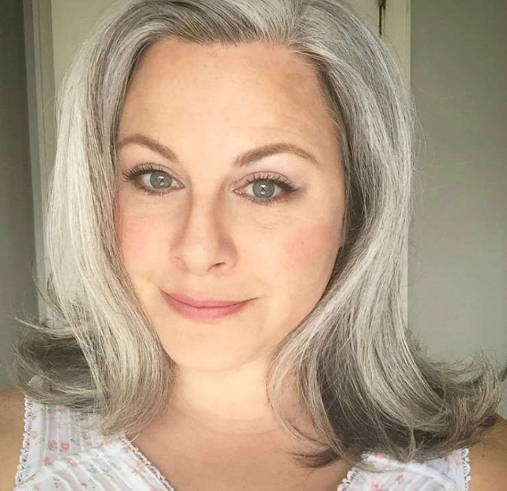 Transitioning to Gray Hair | Gray Hair Inspiration | howbourgeios.com