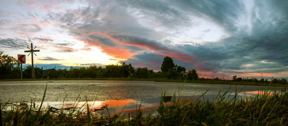 Šią vasarą dangus kas vakarą vis kitoks (debesų medžioklė su fotoaparatu)
