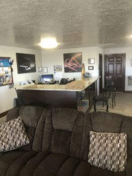 Dinaland Aviation Pilot's Lounge