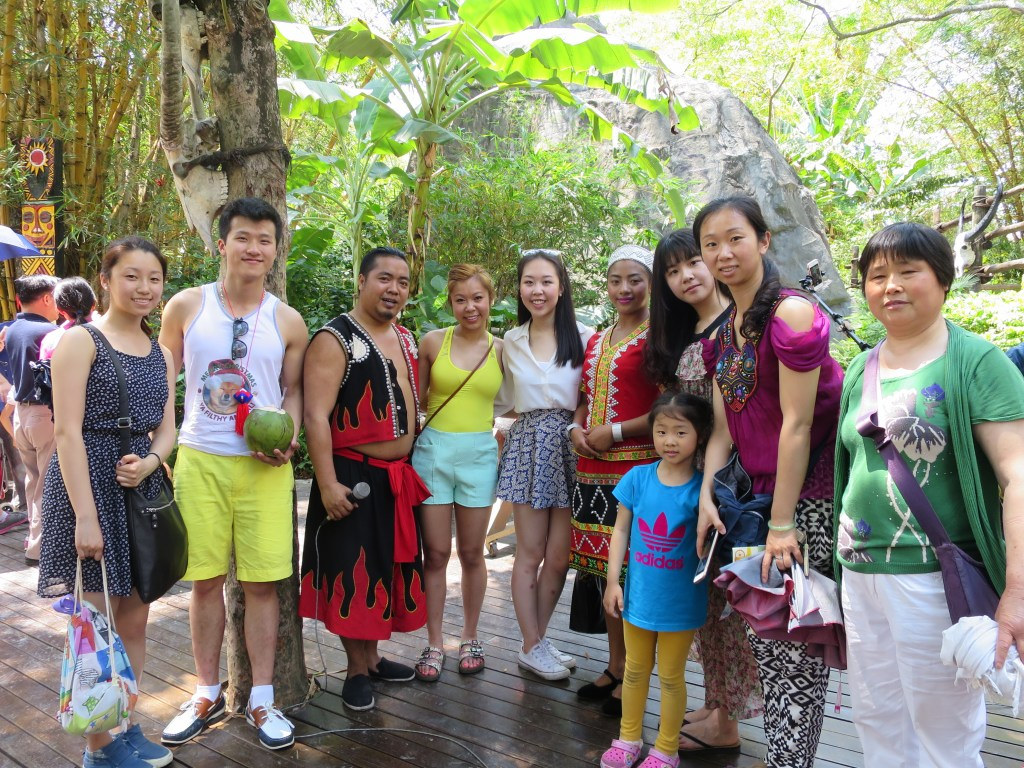 At the China Culture Folk Village in Shenzhen with friends and relatives!