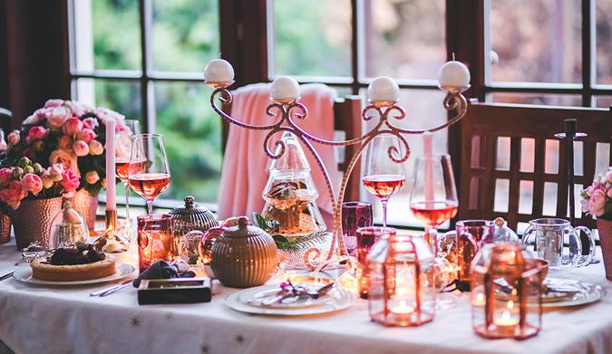 9 ιδέες για ένα οικονομικό, χριστουγεννιάτικο τραπέζι