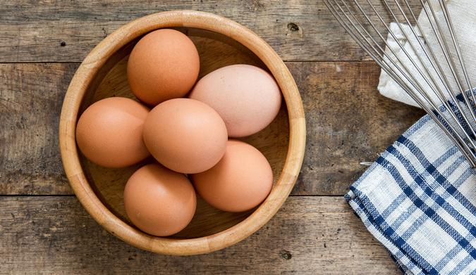 Πώς βράζουμε τα αυγά χωρίς να σπάσουν