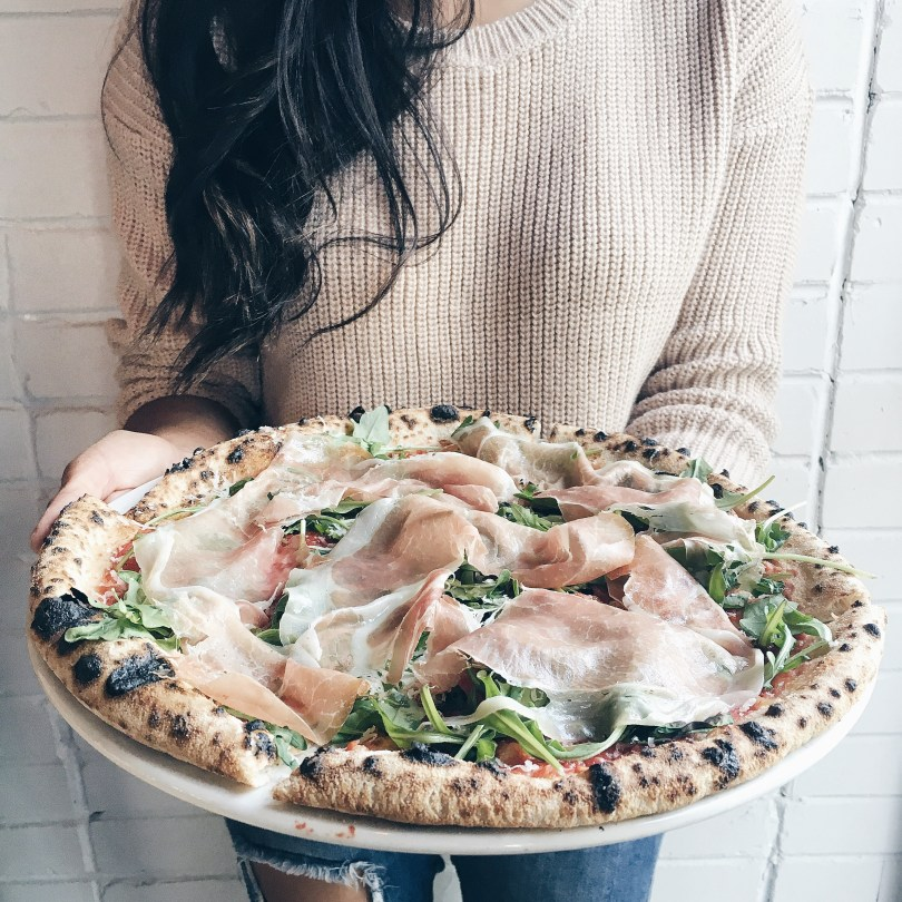The prosciutto and arugula pizza