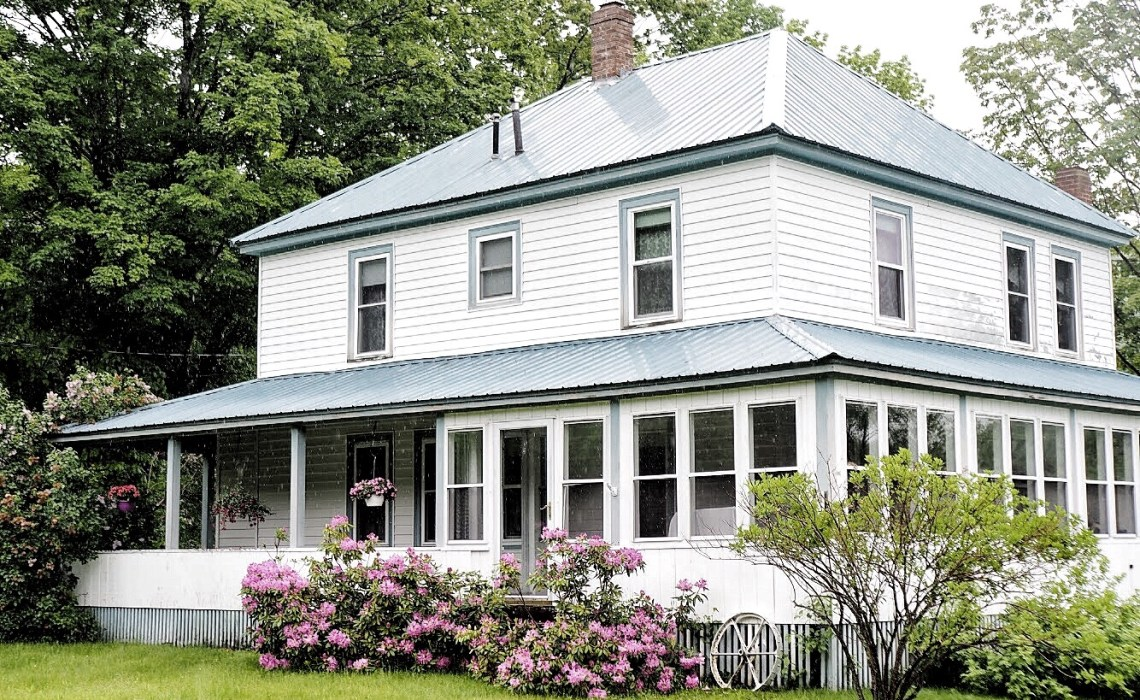 Charming houses in New Hampshire
