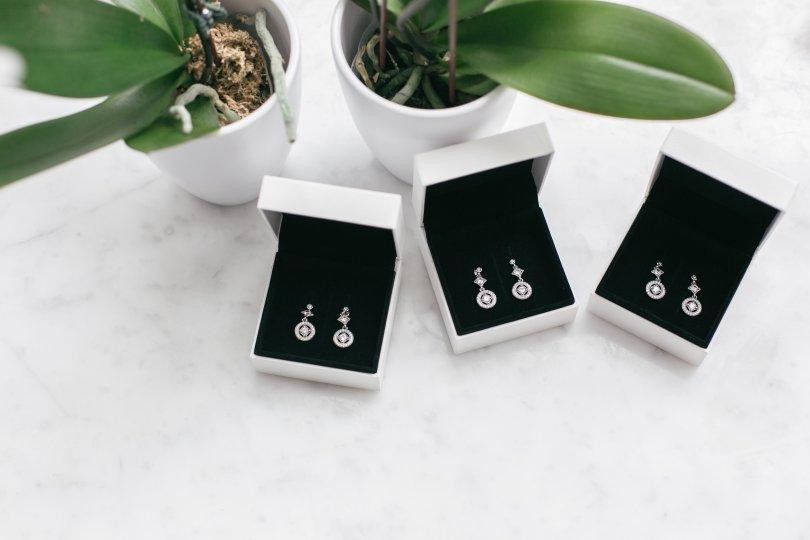 Vintage Allure earrings from Pandora Jewellery