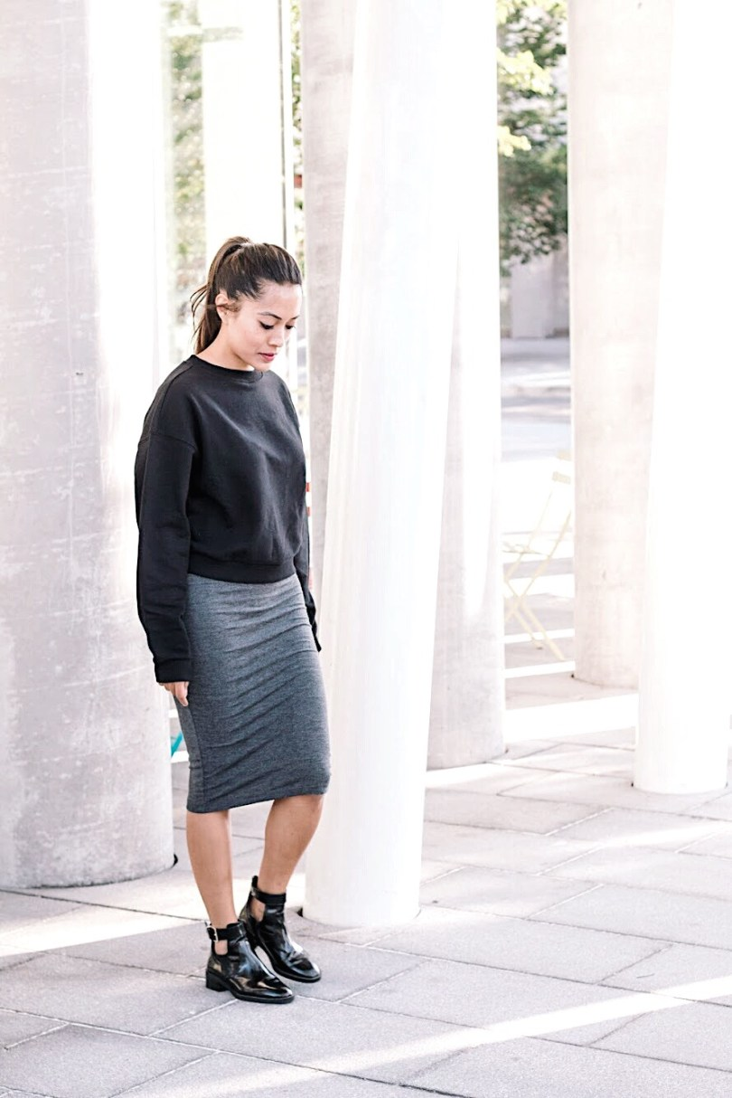 Grey pencil skirt with crew neck sweater