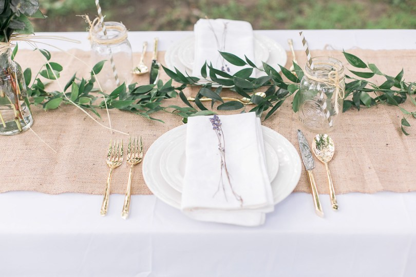 Table setting for perfect elegant picnic in the park