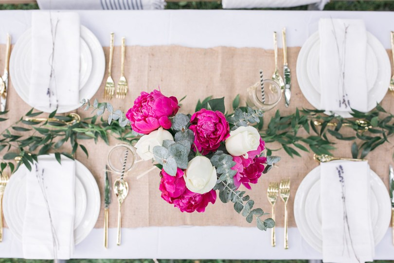 Table setting for elegant picnic in the park