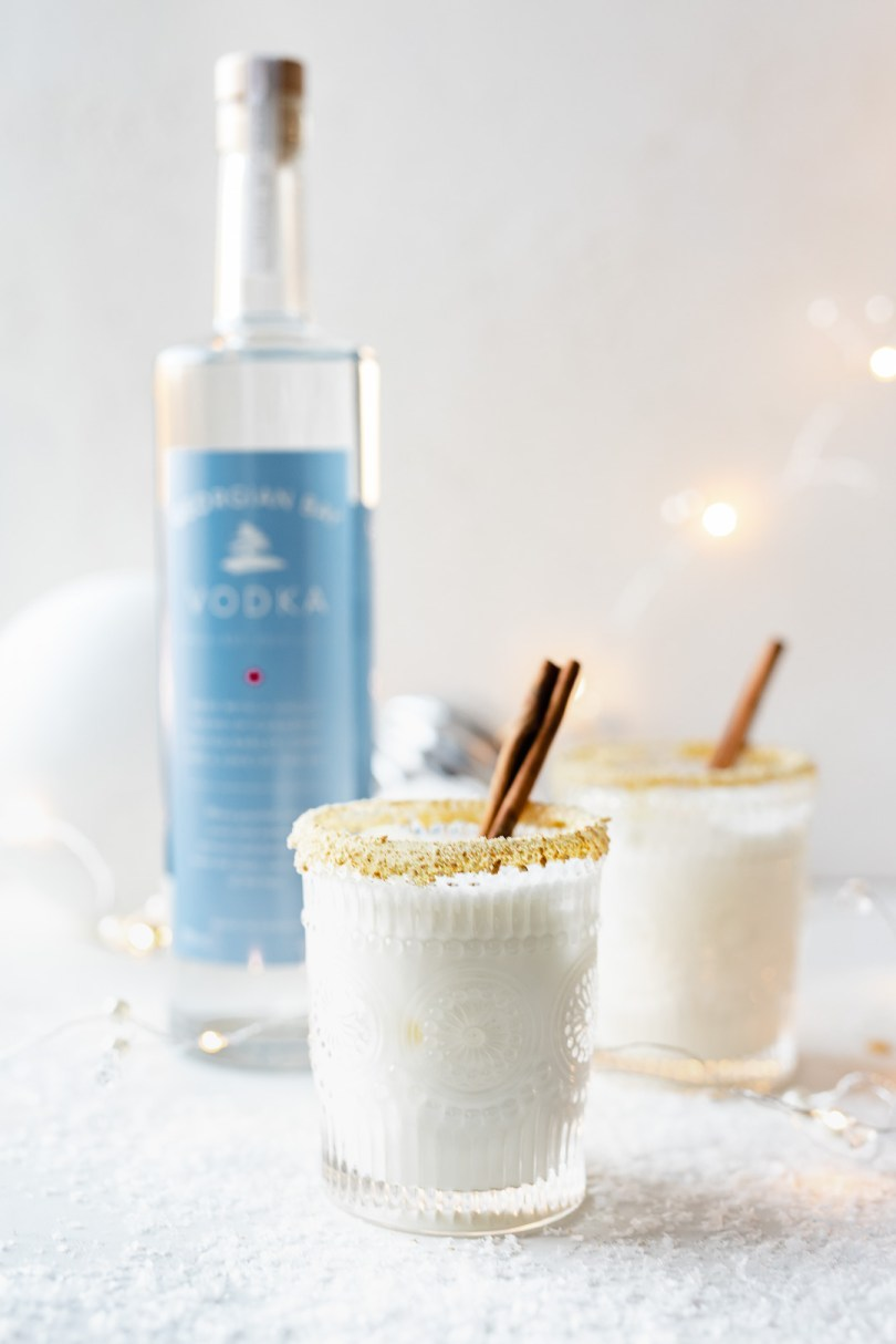 white christmas cookie cocktail