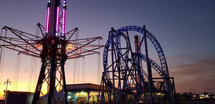 The Galveston Pleasure Pier is an excellent way to pass an evening before your cruise.