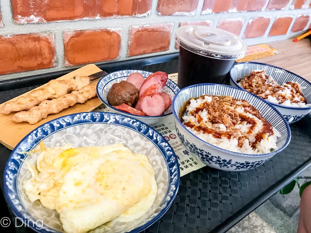 台南中西區美食 隱藏巷弄內古早味,「鼎富發豬油拌飯」,除了主打豬油拌飯,還有燒烤、冷盤可選擇喔!
