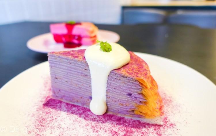 台南北區早午餐「就愛咖啡」結合早午餐、咖啡及甜點,有千層蛋糕、鐵鍋料理及輕食,還有美美的乾燥花喔!