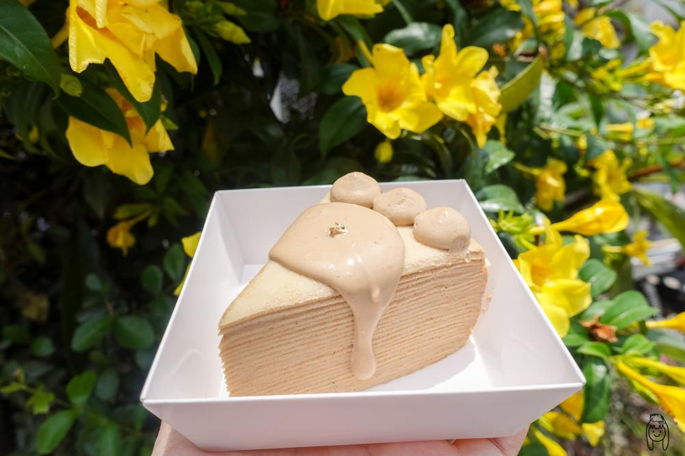 彰化甜點 霏妮嗜塔,超邪惡淋醬千層蛋糕,不定時開單切片千層,可訂購客製化蛋糕,適合送禮。
