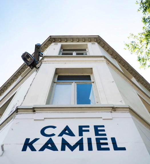 Cafe Kamiel Antwerpen eten en drinken aan een park
