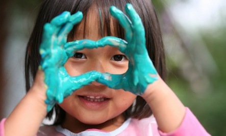How to Avoid Toxic Chemicals in Arts & Crafts