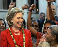 Hillary with the women of Mumbais Self Employed Womens Association