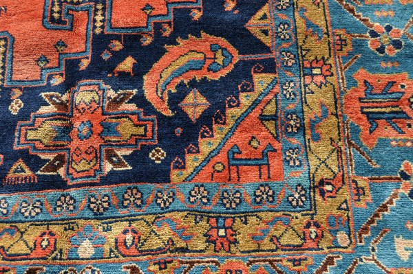 Vis Rug with Blue Goat Icon