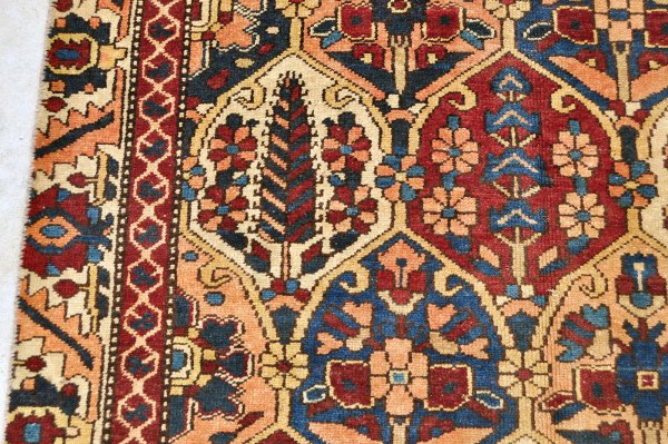 Persian Bakhtiari Carpet