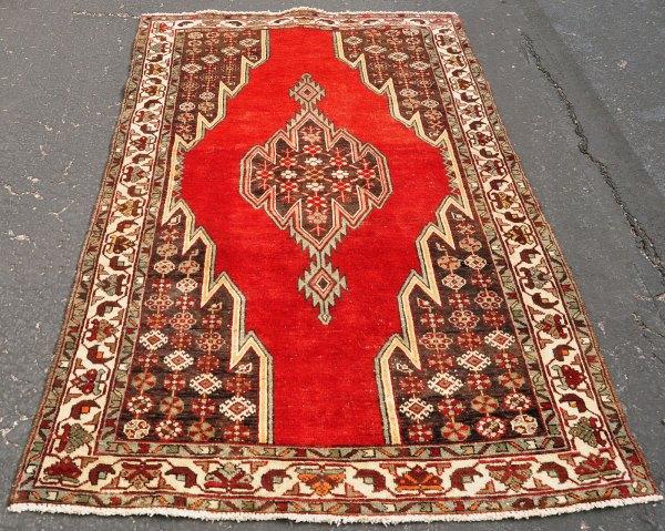 Maslaghan Iran Tribal Rug