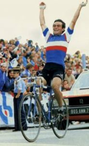 Comment soigner une tendinite - Bernard Hinault, contraint à l'abandon sur le Tour à cause d'une tendinite du genou !