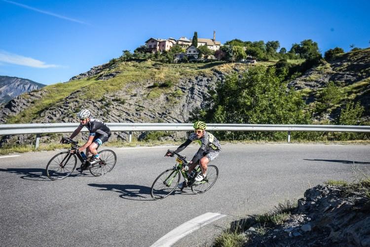 Etape du Tour 2017 - photo sportograf - en descente, toujours prudent ...