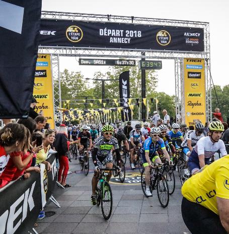 Dingue de vélo - concentration max au départ de l'Etape du Tour 2018