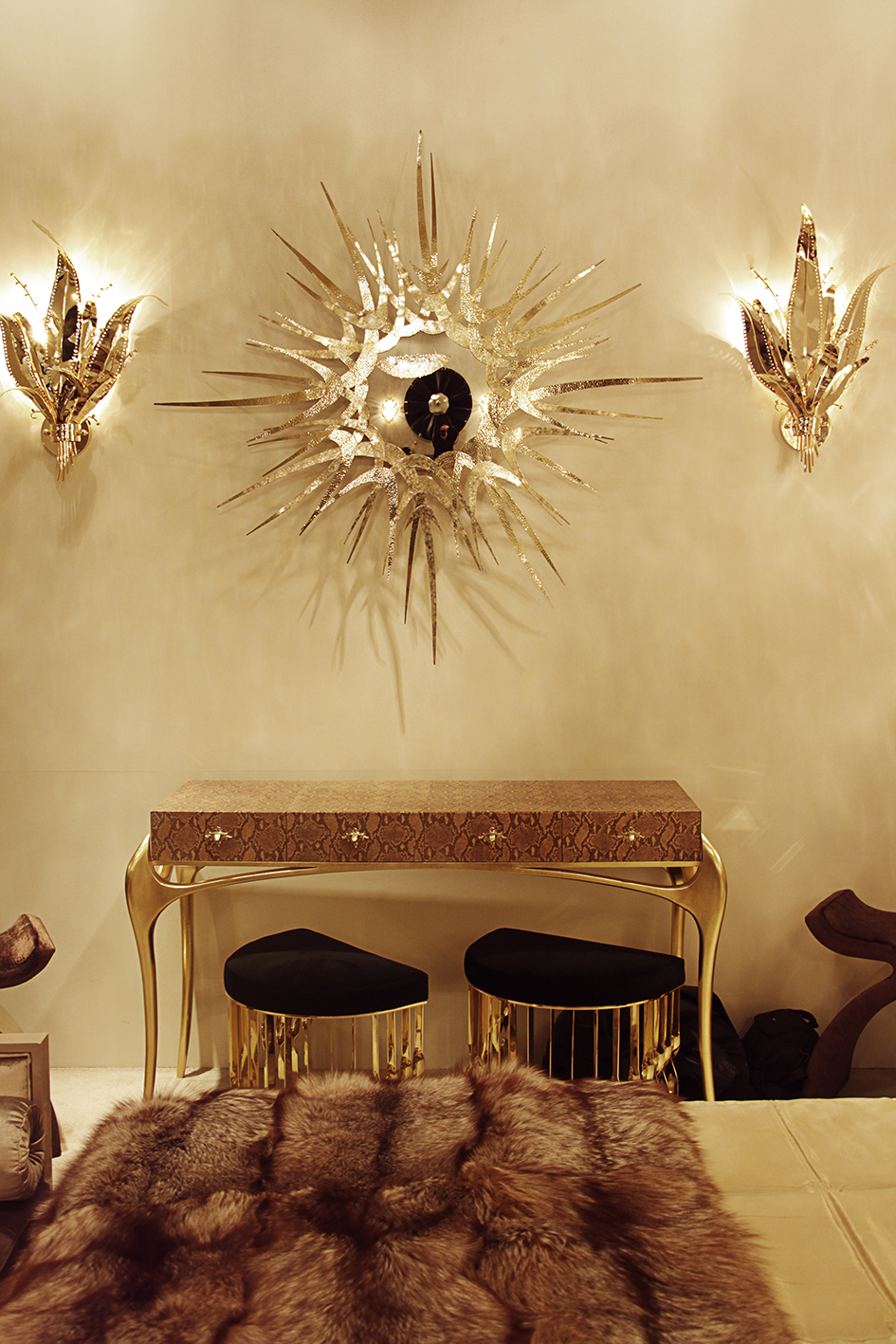 10 Creative Ways to Dcor your Living Room with Sconces