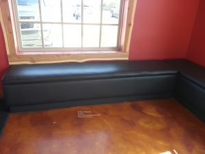 banquette backless black.1 300x225 - Backless
