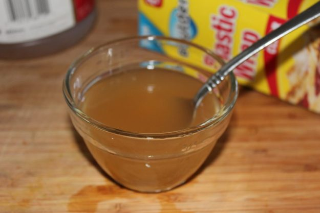 Ad apple cider vinegar then stir.