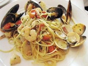 fettuccine-al-gamberi-la-bella-vita-italian-restaurant
