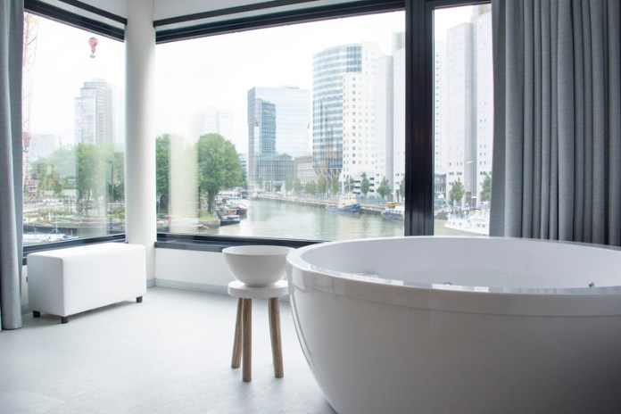 Mainport Rotterdam Room and Bath with a view Copyright Jessica van Dop DeJesus