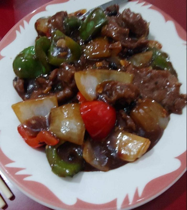 Beef with onions and pepper