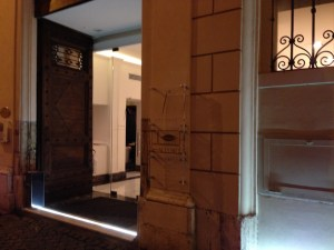 Hotel entrance to where All'Orois located