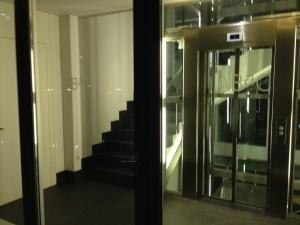 elevator to restaurant