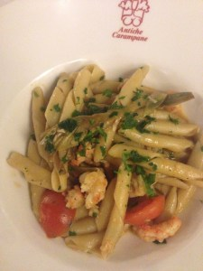 Pasta with shrimp and artichoke