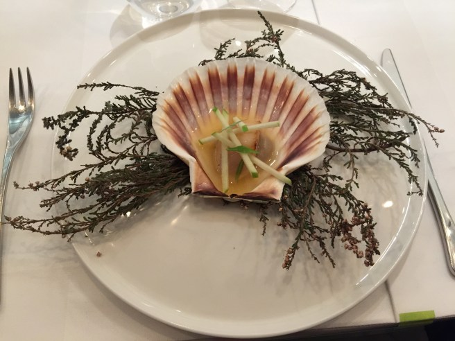 Smoked then grilled scallop on artichoke purée with apple and wild apple juice