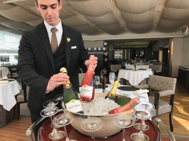 interior/champagne cart