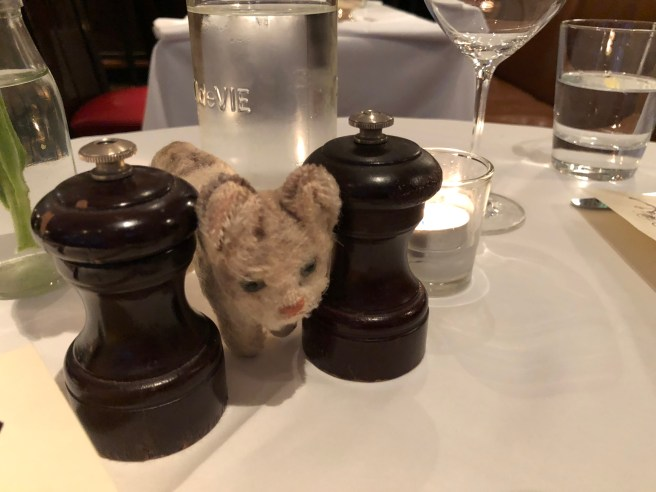 Frankie liked having salt and pepper grinders on the table