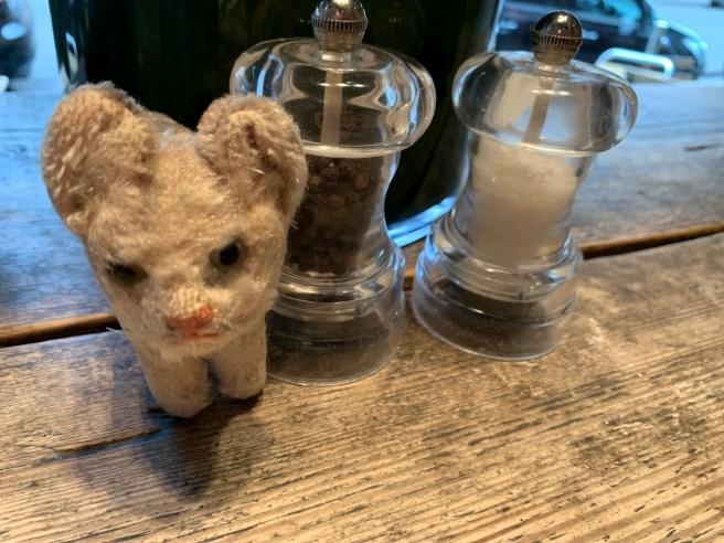 Frankie liked having salt and pepper grinders