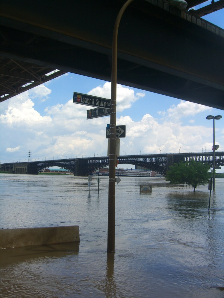 Mississippi flooding in St. Louis summer of 2011