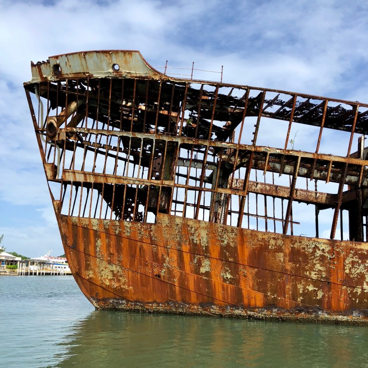 Roatan, Belize Ship Wreck