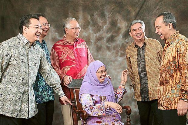 Acrimonious Split Rattles Malaysian Premiers Family  Din