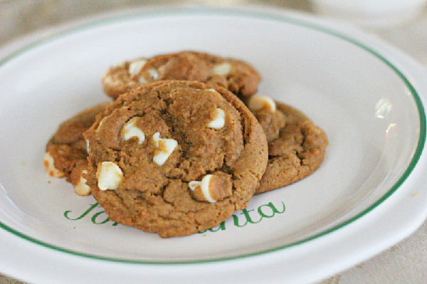 white chocolate gingerbread cookies on a plate