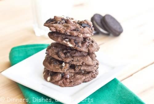Cookies n' cream chunk cookies