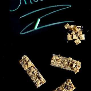 Cinnamon Toast Crunch Granola Bars - a perfect snack!