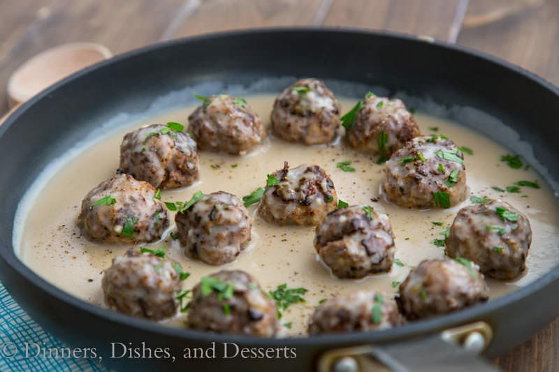Swedish Meatballs {Dinners, Dishes, and Desserts}
