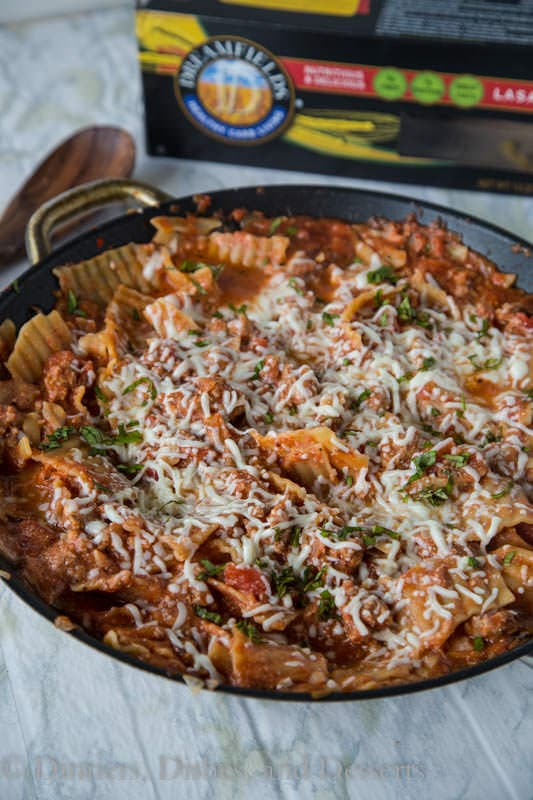 Easy Weeknight Lasagna - Make lasagna any night of the week with this easy skillet lasagna recipe!